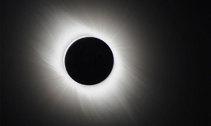 Eine totale Sonnenfinsternis wird am 20. März nur im Norden des Kontinents zu bewundern sein.