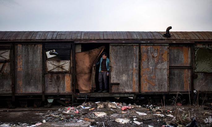 An den Grenzen Europas warten noch Tausende Flüchtlinge und hoffen, es irgendwie in die EU zu schaffen. Meist mit Hilfe von skrupellosen Schleppern.