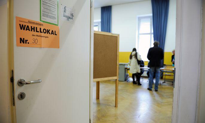Ein Wahllokal am Sonntag in Wien