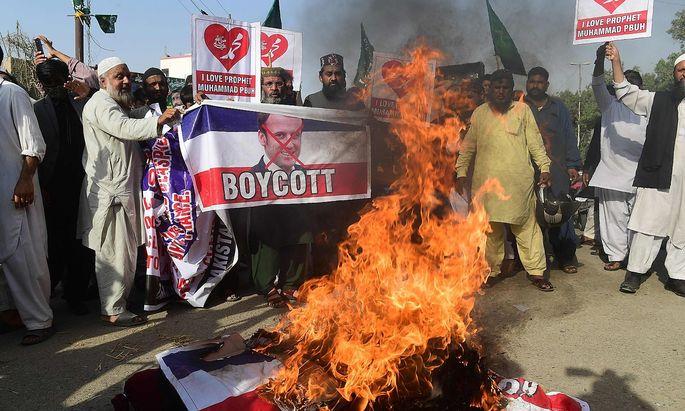 Ein Protest gegen die Mohammed-Karikaturen und gegen Frankreichs Präsident Macron in der pakistanischen Stadt Karachi.