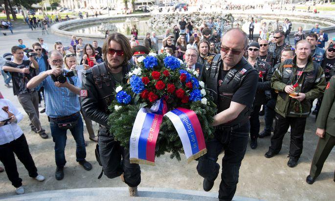 RUSSISCHER MOTORRADCLUB 'NACHTWOeLFE' IN WIEN