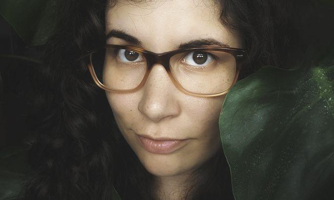 Jasmin Schreiber (Jahrgang 1988) arbeitet ehrenamtlich als Trauerbegleiterin. Auch in ihrem Debütroman geht es ums Sterben.