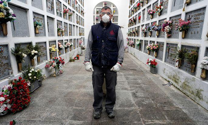 Die Pandemie ist weiter außer Kontrolle und fordert immer mehr Menschenleben.