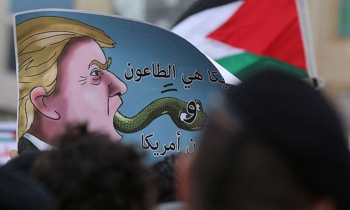 US-Präsdient Trump schlägt weltweit Empörung entgegen, nach dessen Entscheidung, Jerusalem als israelische Hauptstadt anzuerkennen.