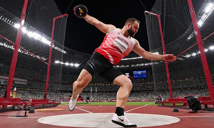 Athletics - Men's Discus Throw - Final