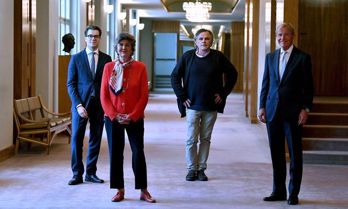 Die Präsidentin: Helga Rabl-Stadler mit dem kaufmännischen Direktor Lukas Crepaz, Intendant Markus Hinterhäuser und Landeshauptmann Wilfried Haslauer.