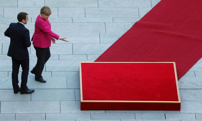Angela Merkel hat in der EU lang keine persönlichen Verbündeten gefunden. Nur bei Frankreichs Präsident, Emmanuel Macron, stimmt die Chemie.