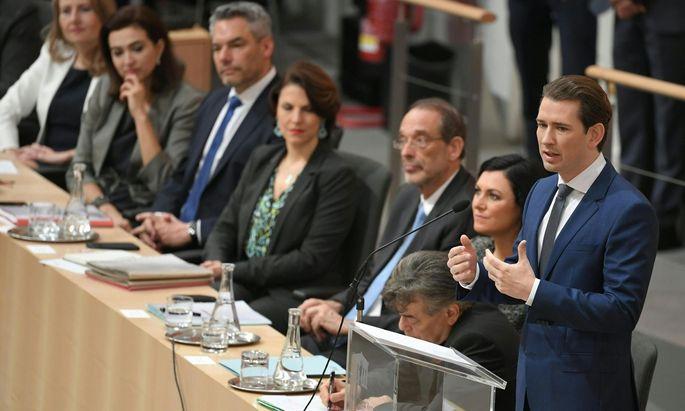 Bundeskanzler Sebastian Kurz gibt im Parlament seine Regierungserklärung ab
