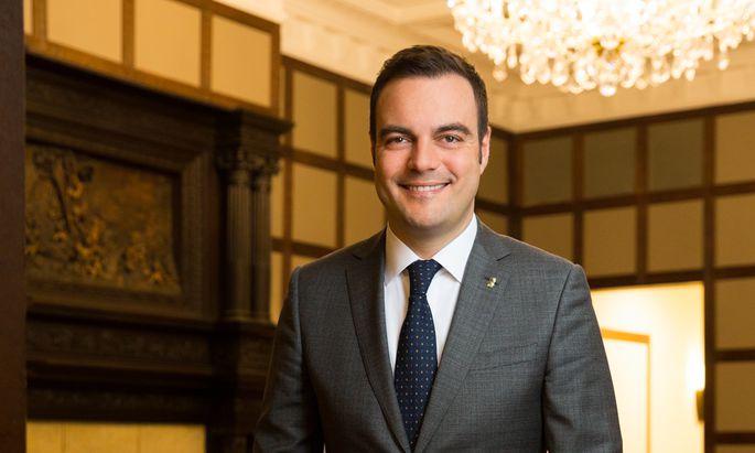 Für Christian Zandonella, General Manager im Hotel The Ritz-Carlton, Vienna, ist Gleichberechtigung die gelebte Norm.
