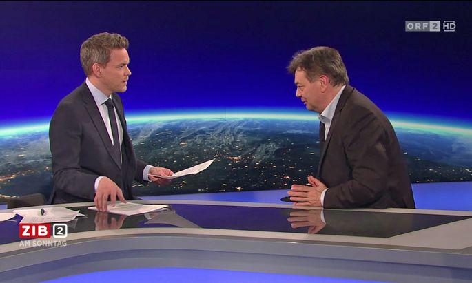 Grünen-Chaf Werner Kogler bei Martin Thür.