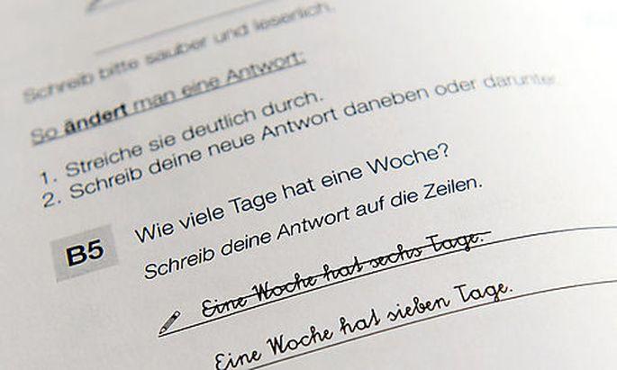THEMENBILD: BILDUNGSSTANDARD-TEST