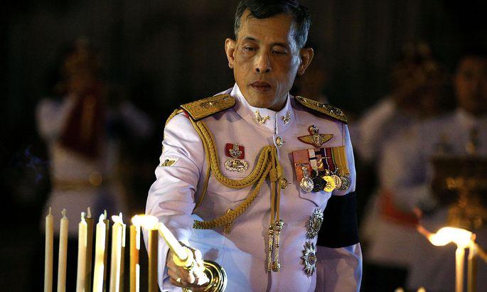 Hier auf einem Archivbild aus dem Jahr 2016, als Vajiralongkorn unmittelbar nach dem Tod seines Vaters noch Kronprinz war.