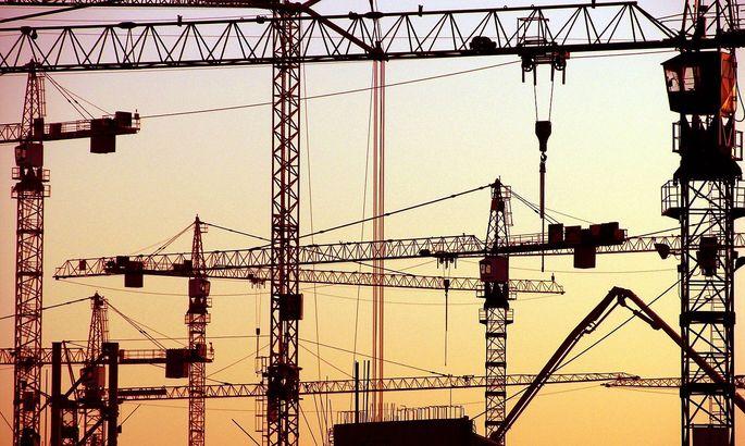 Baukraene, Konjunktur, Wirtschaft, Wirtschaftsaufschwung, Wachstum, Bruttosozialprodukt, Wohnungsbau, Mietendeckel, ***