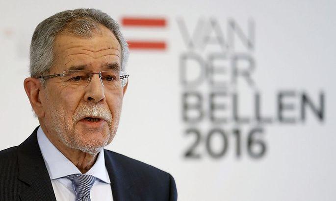 Van der Bellen bei seinem ersten öffentlichen Auftritt als Kandidat.