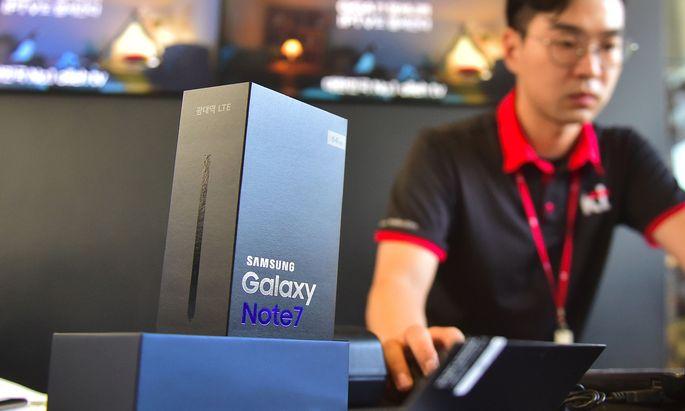Defekte Batterien verursachten Brände bei Samsung-Smartphones.