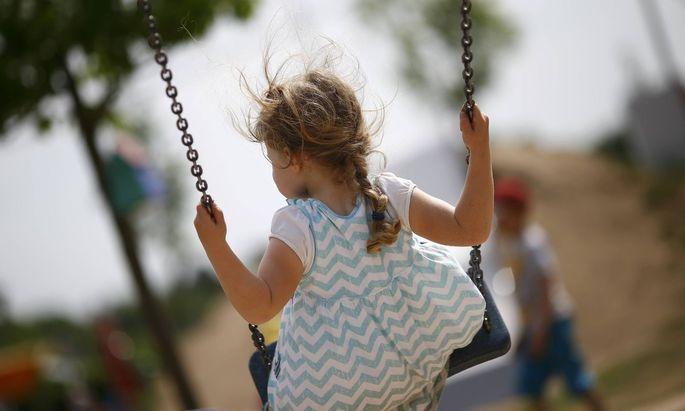 Welche Faktoren beeinflussen, wie sich ein Kind in der Kindergartengruppe verhält?
