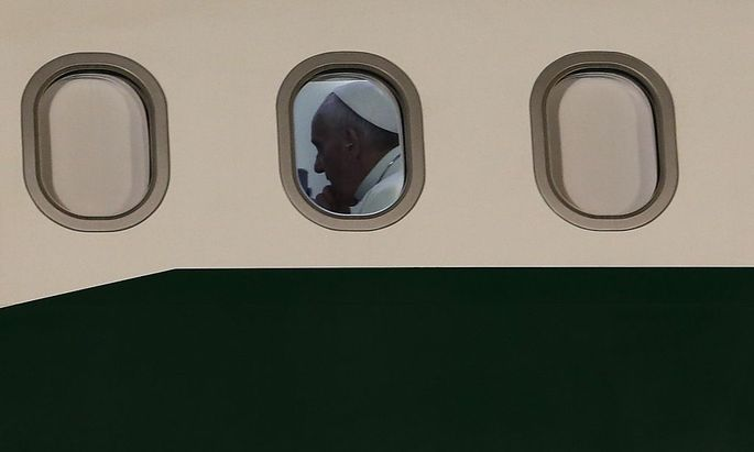 Der Papst ließ mit seinen Worten über Homosexuelle aufhorchen. Er beantwortete Journalistenfragen auf dem Rückweg von Brasilien.