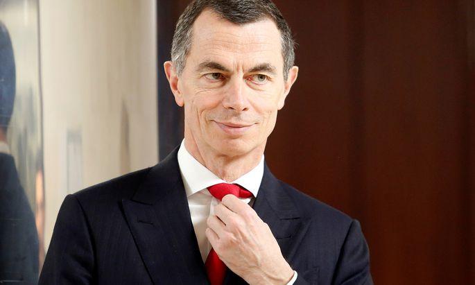 UniCredit-Chef Jean Pierre Mustier legt keine Pausen ein: Kaum ist ein Sparprogramm abgeschlossen, folgt das nächste.