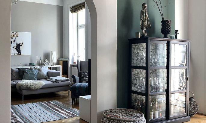 Ein Blick in das Wohnzimmer der Raum-Architektin.