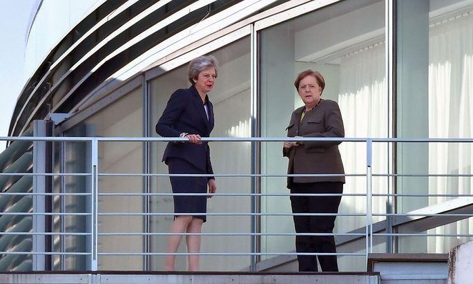 Rund 90 Minuten sprachen die Regierungschefinnen in Berlin vertraulich über den Brexit.