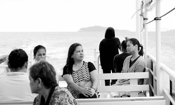 """Der philippinische TV-Star Charo Santos-Concio (rechts) spielt """"The Woman who left""""."""