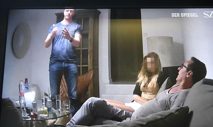 Die ausführliche Berichterstattung über den Konsum von Wodka-Red-Bull bei dem Treffen mit einer angeblichen russischen Investorin hatte einen zumindest siebenstelligen Werbewert