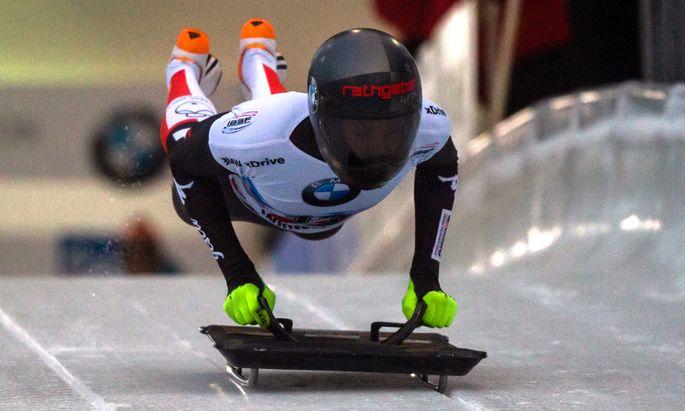 Automatismen prägen den Start, Janine Flock ist eine der Schnellsten im Skeleton-Weltcup.