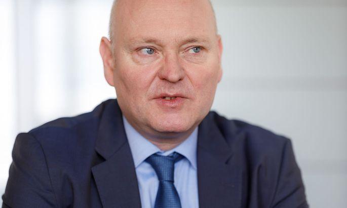 Prof. Dr. Achim Truger.