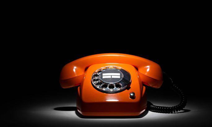 Anrufe von Menschen, die man nicht eingespeichert hat, bringen fast nie gute Nachrichten.
