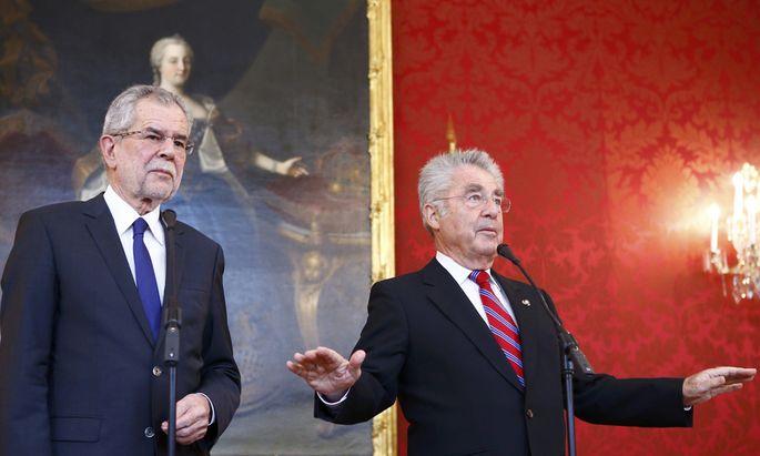 Austrian President Fischer speaks to media during a meeting with President-elect Van der Bellen in Vienna