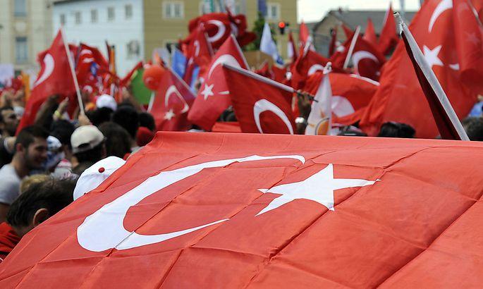 Archivbild: Die UETD hat 2013 rund 8000 Menschen mit türkischen Wurzel für eine Pro-Erdoğan-Demonstration mobilisiert.