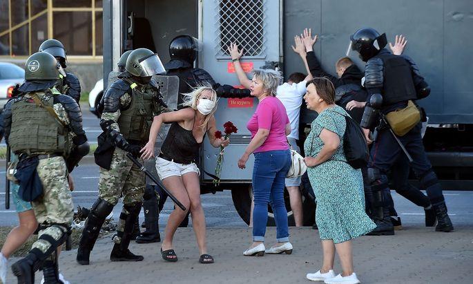 Die Lage in Minsk nach der belarussischen Präsidentschaftswahl eskaliert weiter.