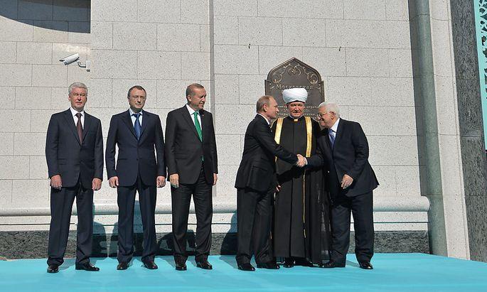 Putin bei der Eröffnung einer der größten Moscheen Europas.
