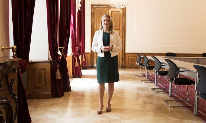 Integrationsministerin Susanne Raab (ÖVP) plant nach den Angriffen von türkischen Nationalisten auf Demonstranten schärfere Maßnahmen.