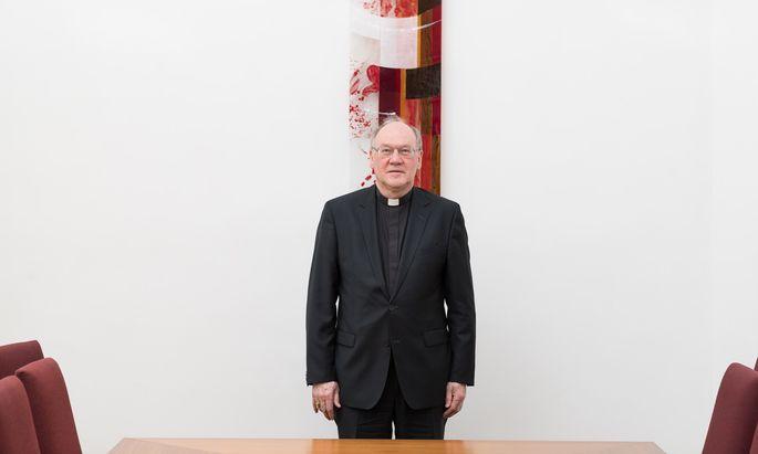 Der nunmehrige St. Pöltner Bischof Alois Schwarz hat die gesamte österreichische katholische Kirche in schwere Turbulenzen gestoßen.