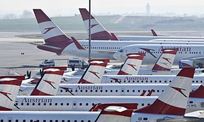 Ein Sinnbild der Coronakrise: die abgestellten Flugzeuge am Wiener Flughafen.
