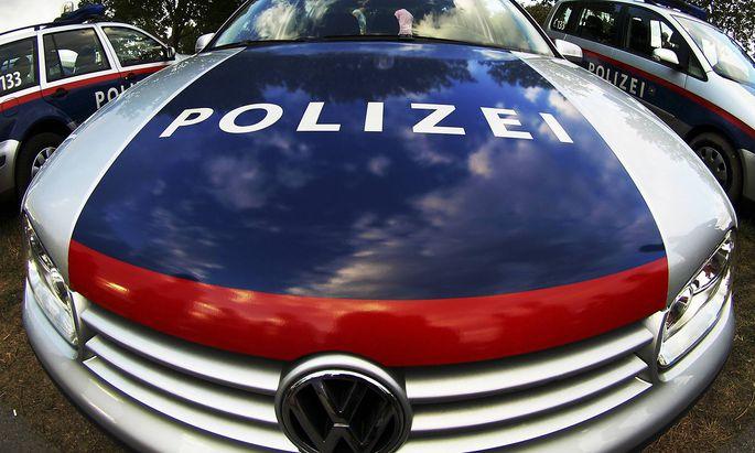 Polizeiauto, Oesterreich police car, Austria BLWS143389