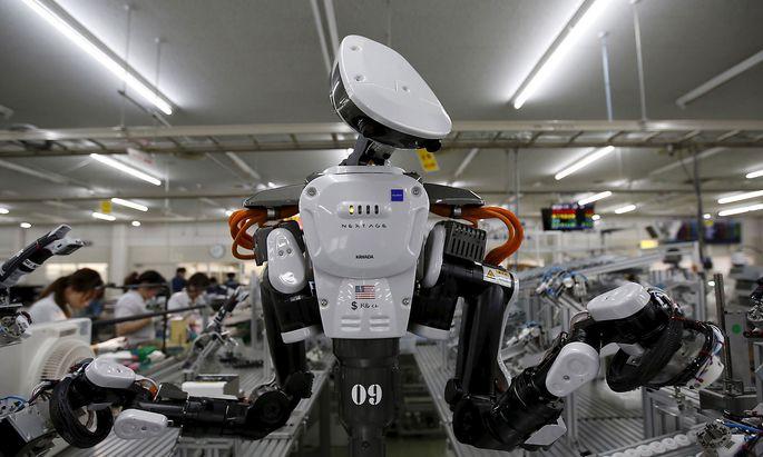 Je mehr Automatisierung, desto mehr Daten in der Produktion. Aber wer kann sie analysieren und zur Optimierung nutzen? In diese Lücke dringen nun die großen Unternehmensberater vor.