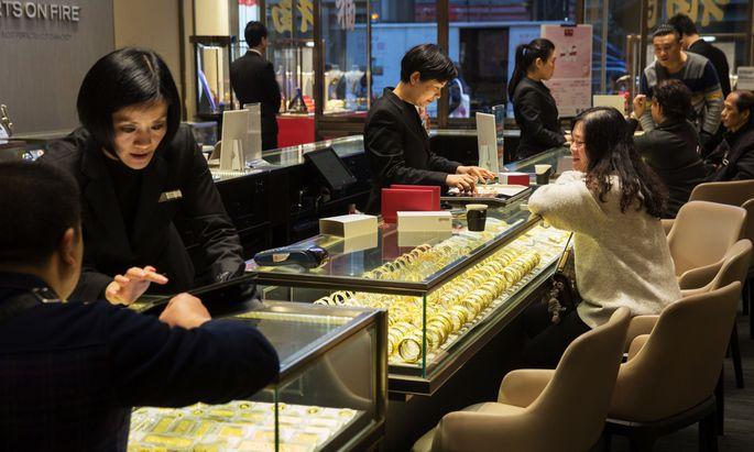 Chow Tai Fook Jewellery Store