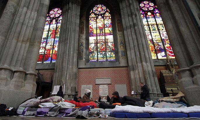 Die von Asylwerbern und Menschen mit abgelehntem Asylbescheid besetzte Votivkirche in Wien.