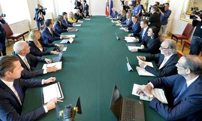 Die Ex-Regierung beim Ministerrat