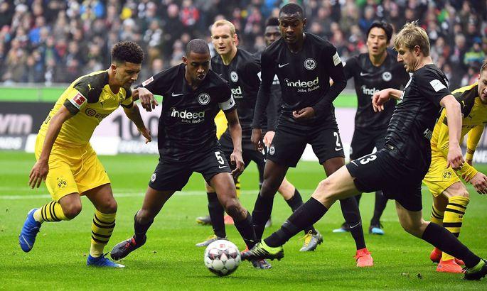 02 02 2019 xjhx Fussball 1 Bundesliga Eintracht Frankfurt Borussia Dortmund emspor v l Jadon