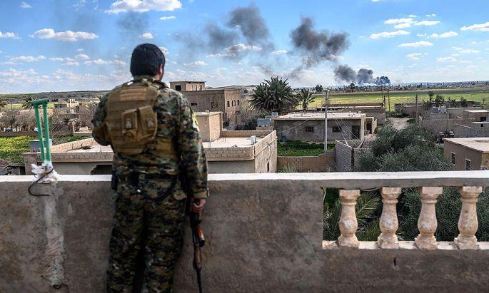 Die kurdischen SDF-Einheiten rücken auf die letzte IS-Bastion in Syrien in Baghouz vor.