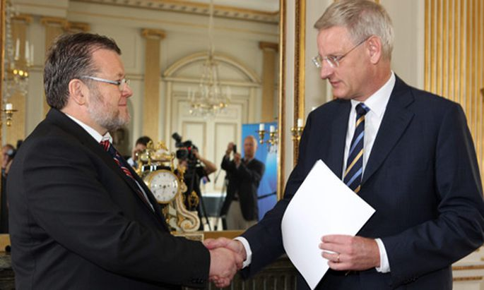 Islands Außenminister Ossur Skarphedinsson trifft auf seinen schwedischen Amtskollegen Carl Bildt