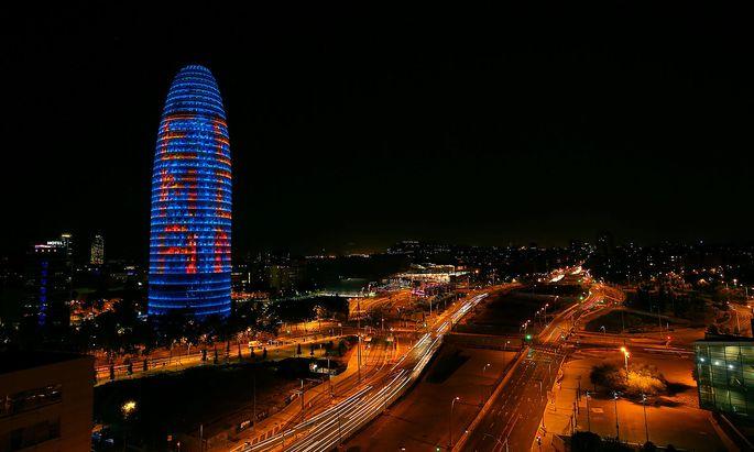 Barcelona wirbt mit dem Agbar-Tower um die Arzneimittelagentur.