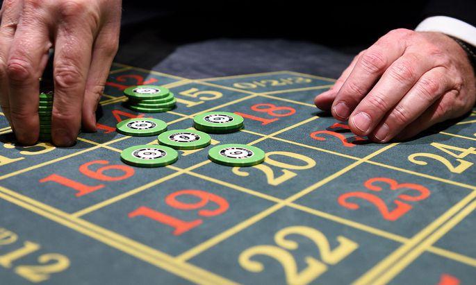 """Die Regierung will die Berührungspunkte zwischen Glücksspiel und Politik """"entflechten""""."""