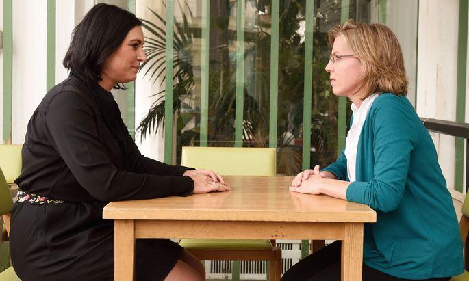 ''Eine gute Grundlage'', sagt Elisabeth Köstinger (links), Leonore Gewessler spricht von einer ''herben Enttäuschung''.