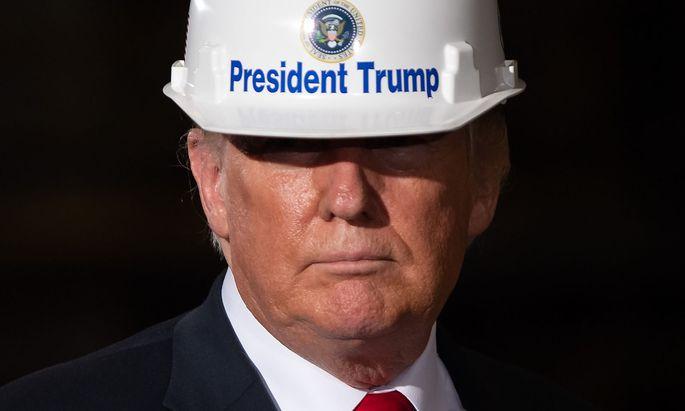 Donald Trump besuchte eine Stahlfabrik in Granite City, Illionis.