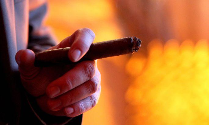 Symbolbild: Rauchen in der eigenen Wohnung verboten.