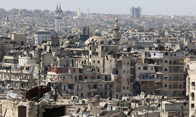 In Aleppo herrscht Mangel an allem, noch immer warten Hilfsorganisationen auf den Beginn einer 48-stündigen Feuerpause.